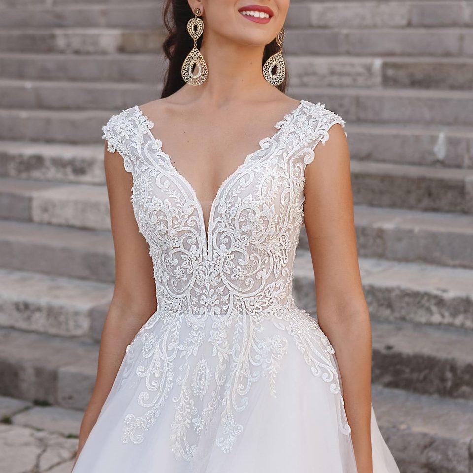 CIARA(rochii de meriasa 2019)
